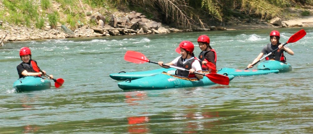 white water rafting japan - downriver canoe