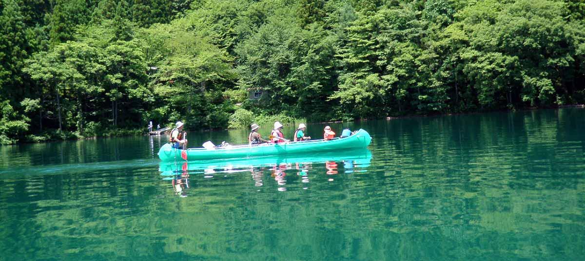 voyageur canoe cruise