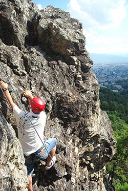 climbing in nagano - rock climbing